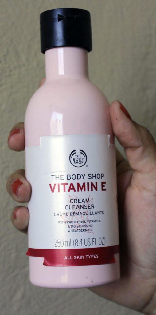 Desmaquillante: The Body Shop Vitamin E Cream Cleanser