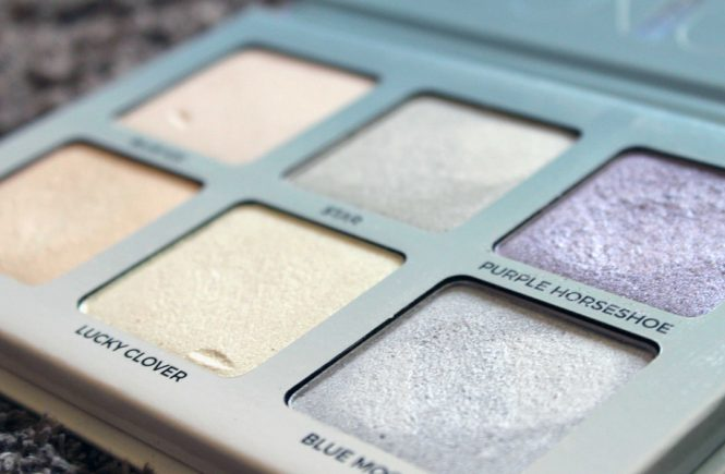 Imagen destacada Pan close up ABH Moonchild Glow Kit